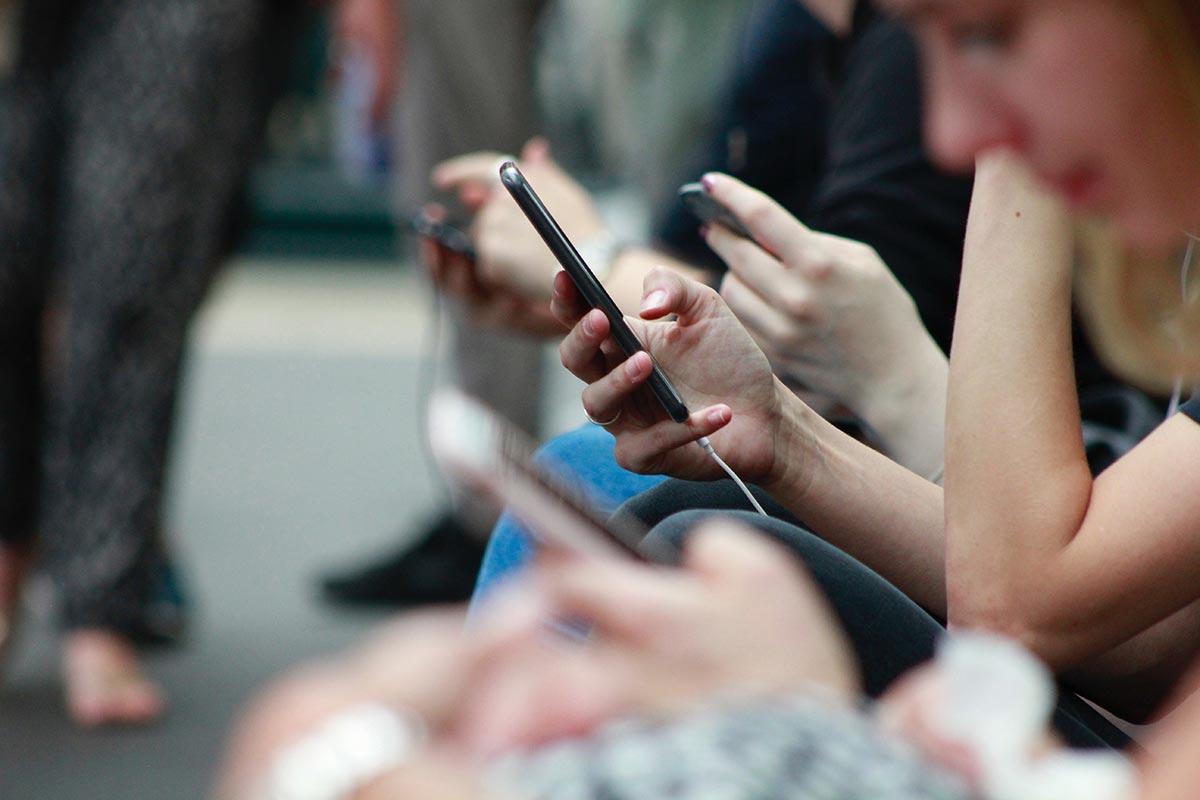¿Cómo desligar tu mente de tu teléfono?